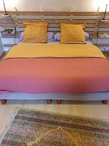 lit d'une chambre double pres de douarnenez