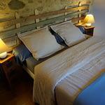 lit double de la chambre familiale a kerioret izella