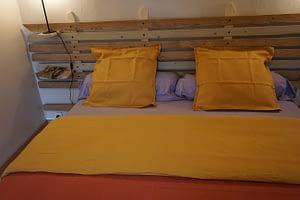 tete de lit d'une chambre double pres de douarnenez