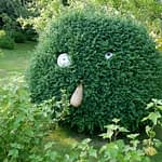 sculpture vegetal au gite de kerioret izella